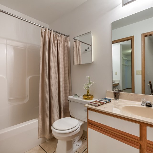 Valley Creek Apartments: Big Creek Apartments In Parma, OH